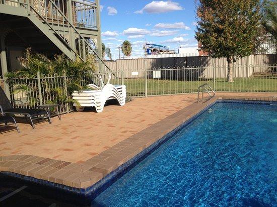 City Colonial Motor Inn: The pool :)