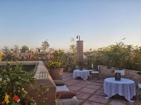 Riad Kniza : Dachterrasse mit Blick über die Medina