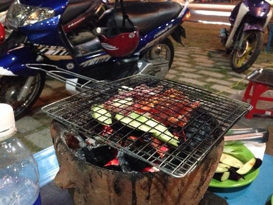 #79 Seafood BBQ Restaurant: Marinated lamb and veal cooked in front of us