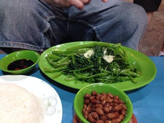#79 Seafood BBQ Restaurant: Stir fried greens ... so tasty!
