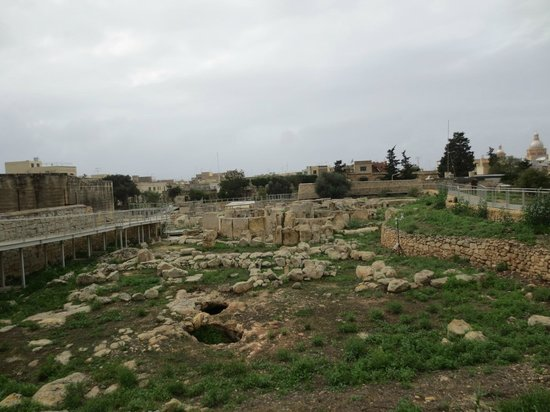 Tarxien Temples: Inside of the site