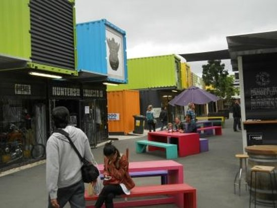 Quake City: Re-Start Container Mall