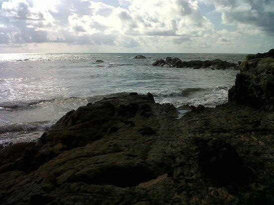 Anjuna Beach: Rocky beach