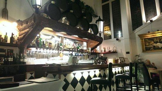 Stanhill Court Hotel: Bar