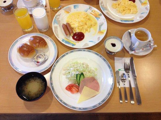 Hotel Hiruzen Hills: Complimentary breakfast.