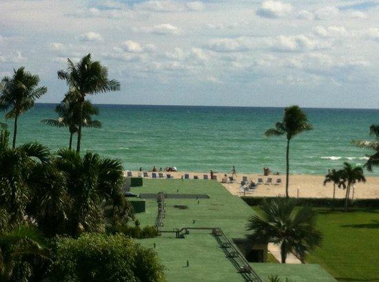 Golden Strand Ocean Villa Resort: Ótima localização!