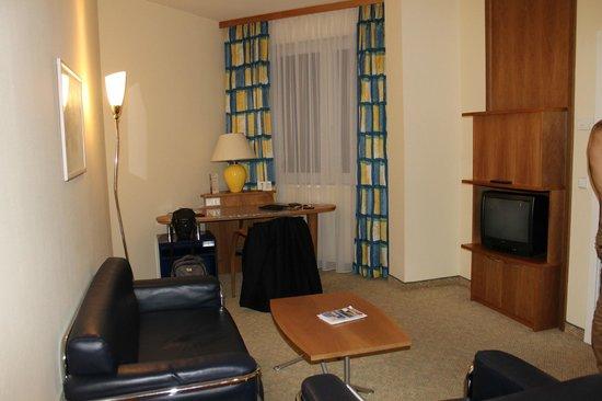 Starlight Suiten Hotel: Living Room