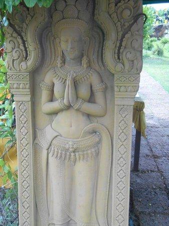 Wat Thammikarat : Une des nombreuse statues