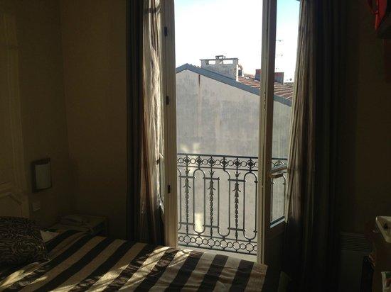 BEST WESTERN Hotel Riviera by HappyCulture: Eftermiddagslys gennem fransk altan