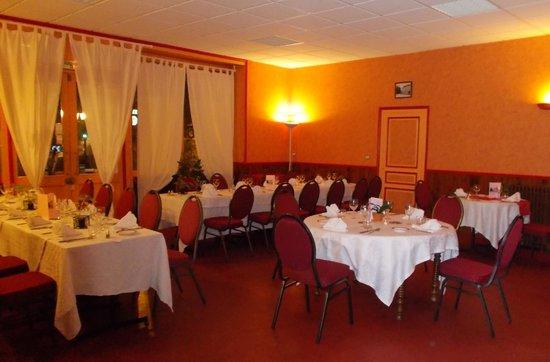 Restaurant Hotel de la Paix : une partie de la salle pour la soiree beaujolais