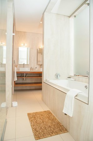Menlyn Boutique Hotel: Bathroom