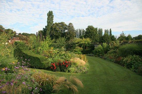 Jardin du Plessis Sasnieres: L'enclos fleuri