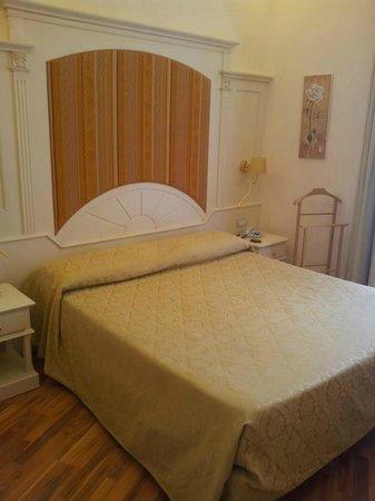 Hotel Metropole Bellagio : ROOM