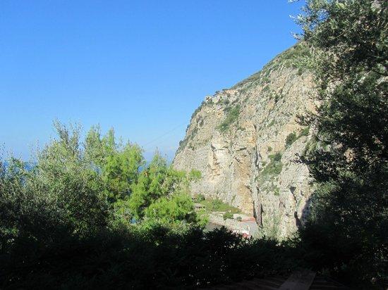 Bleu Village: Vista parcial da montanha