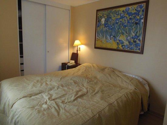 Tempo Rent Apart Hotel: Quarto do apartamento