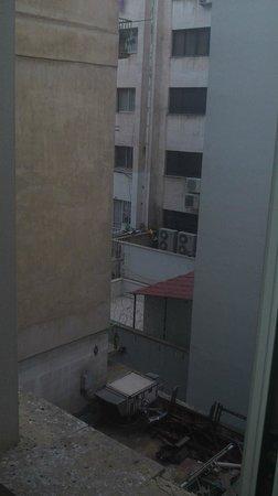 Achillion Hotel : очень радостное настроение, когда утром ты видишь из окна нечто такое...