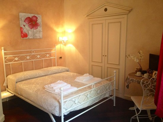 Made in Rome Bed&Breakfast: Room Fori Imperiali