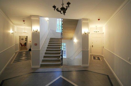 Crystal Suites : Hallway