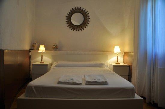 Seneca Hostel: Habitación matrimonio