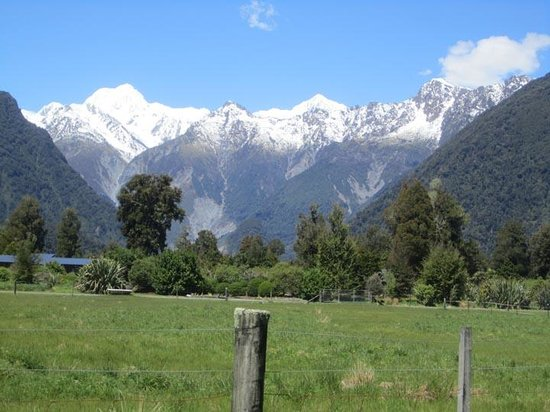 Mount Cook View Motel : View from the back door