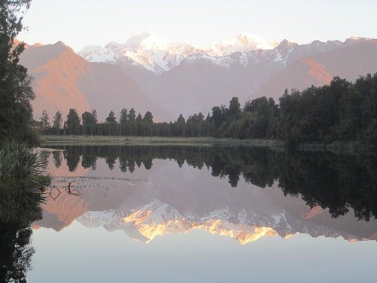 Mount Cook View Motel : Lake Matteson at 8PM