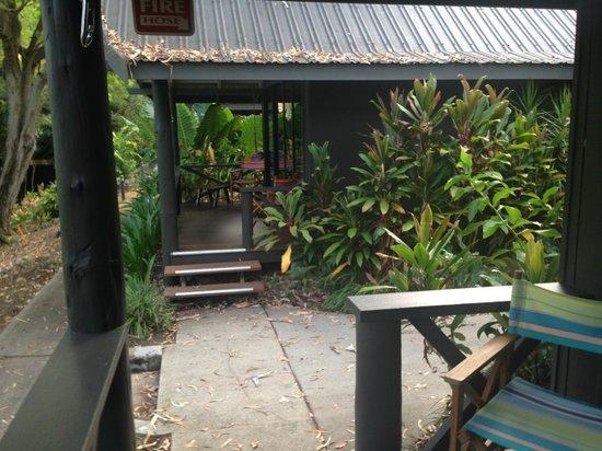 Palm Bungalows: Entrada al Bungalow