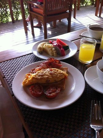 Metadee Resort and Villas: Yum breakfast