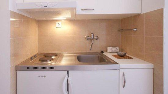Apartments Aura: Kitchenette