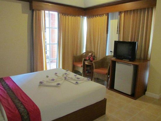 Phuket Chaba Hotel: номер