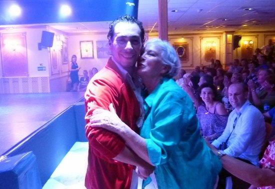 El Embrujo: Jean has fallen in Love  !!