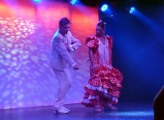 El Embrujo: A pair of stars
