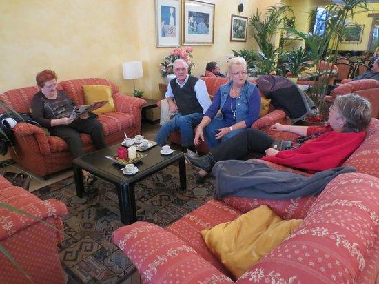 Hotel Massimo D'Azeglio: Le salon du lobby