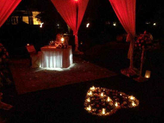 Raffles Grand Hotel d'Angkor: anniversary canopy