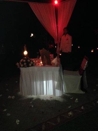Raffles Grand Hotel d'Angkor: Anniversary dinner table