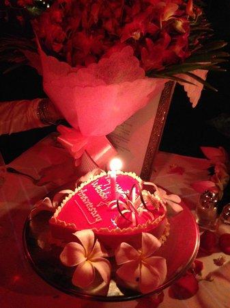 Raffles Grand Hotel d'Angkor: Anniversary cake