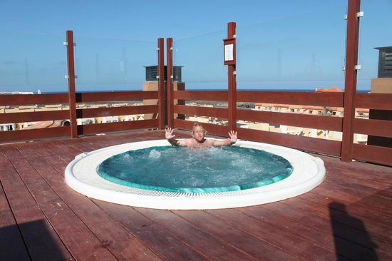 Hotel Costa Caleta : roof top jacuzzi