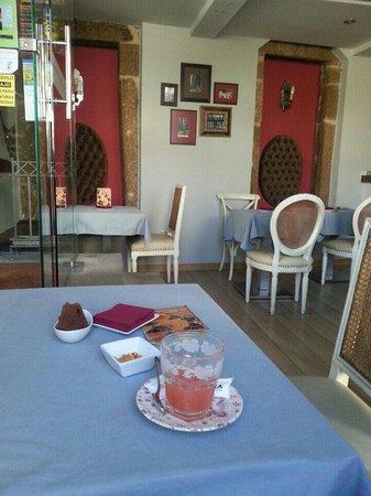Tertulia: Zumo de pomelo, con tapa dulce y salada gratis!