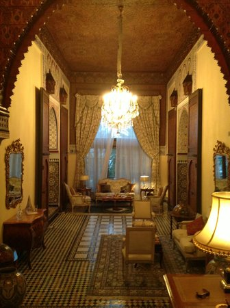 Sofitel Fes Palais Jamai: our room- the sitting room