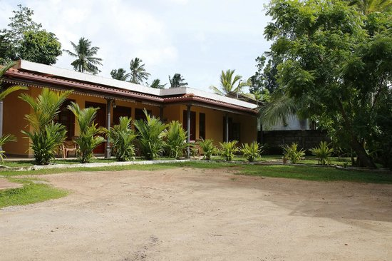 Sahan Guesthouse: Front view