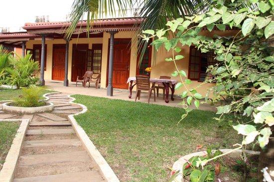 Sahan Guesthouse: Garden