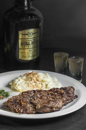 Bourbon Street Herzliya: 420 gram steak with Bull Run Whiskey