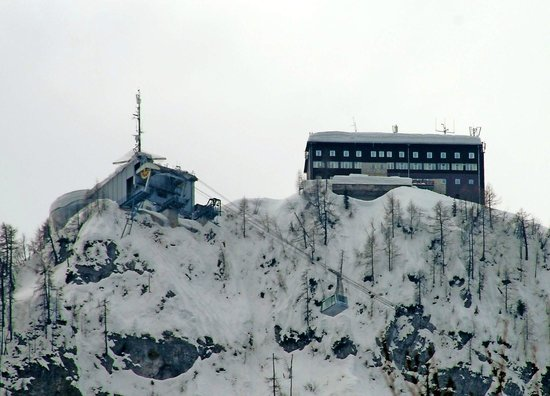 Hotel Ski: View from the cable car