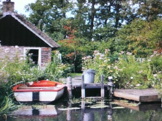 De Weerribben National Park: Voorheen een arbeiders- nu een vakantiehuisje.