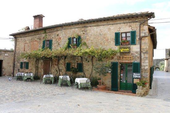 Ristorante Il Pozzo: Resturant front view