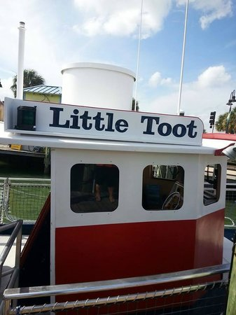 Little Toot Dolphin Adventures: little toot 25 causeway blvd marina clearwater florida