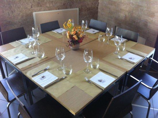 Albergo Delle Industrie: Tavolo ad otto del ristorante dell hotel