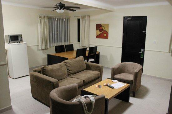 NYX Hotel Cancun: Прихожая