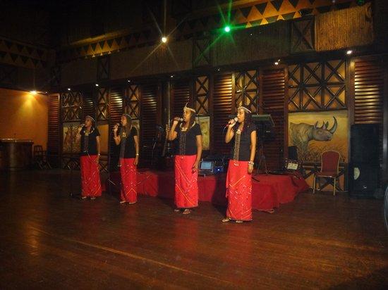 Safari Park Hotel : choir