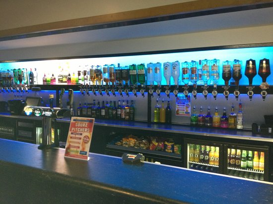 Romford, UK : Main Bar