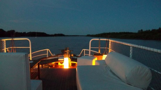 San Fernando, Argentina: Regalo Original; Noche Romantica en Barco Delta Tigre
